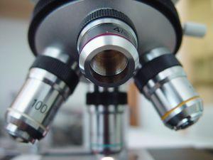 microscope-1-473390-m