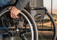 高齢者が歩けなくなるのは、病院の至れり尽くせりの環境があるから。